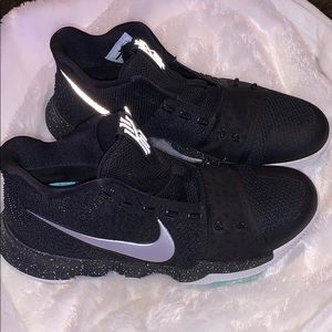 Kyrie 3 (Black ice)